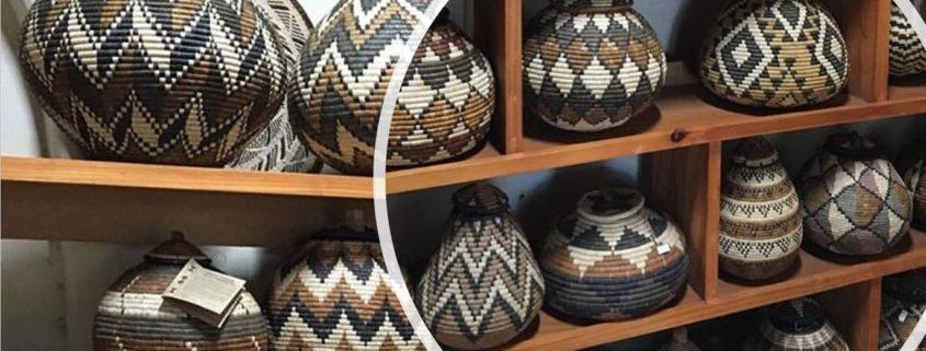bilde av en hel hylle med zulukurver fra savannen interiør - fairtrade og bærekraftig interiør